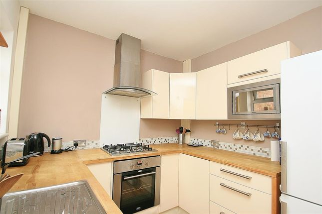 Thumbnail End terrace house for sale in Birchway, Hayes