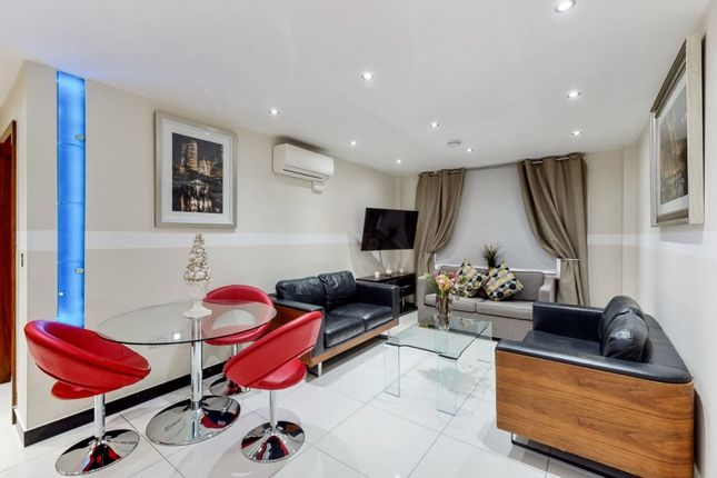 2 bed flat to rent in Great Cumberland Place, Marylebone W1H