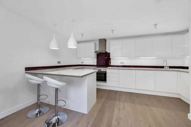 Kitchen of St. Davids Square, London E14