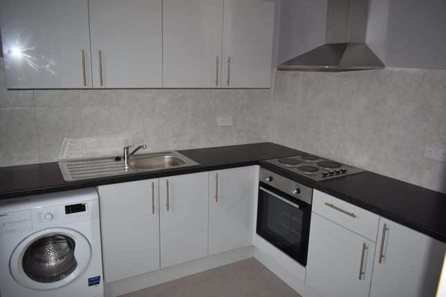 Thumbnail Flat to rent in Silcoates Street, Wakefield