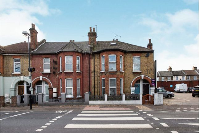 Thumbnail Flat for sale in Markhouse Road, Walthamstow
