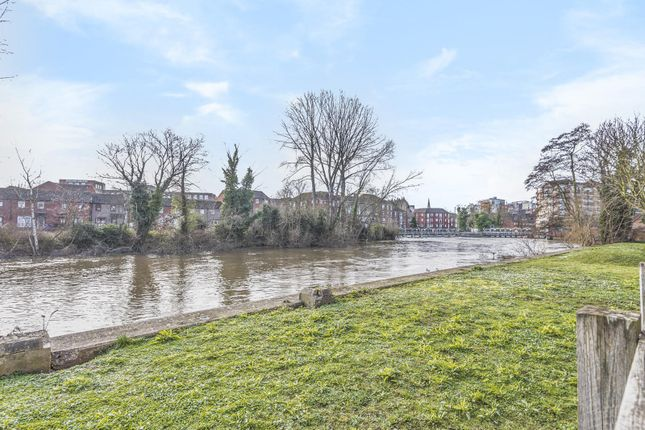 River View of Kennet Walk, Reading RG1