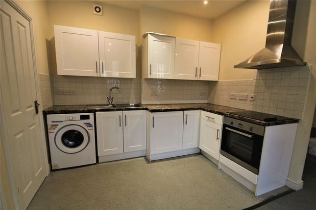 Thumbnail Flat to rent in Windsor Court, Rugby