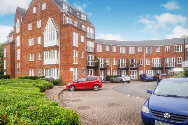 Thumbnail Flat for sale in Sovereigns Quay, Bedford