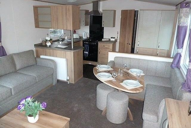 Winkups Holiday Park - Towyn-6