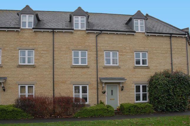 Thumbnail Town house for sale in Ash Avenue, Carterton, Oxfordshire