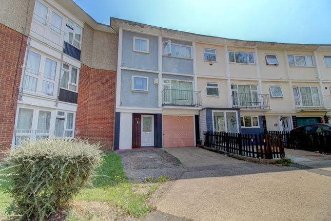 4 bed end terrace house for sale in Long Riding, Basildon SS14