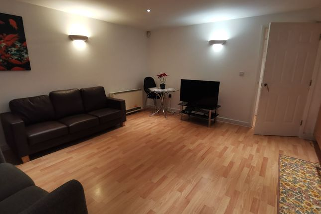 Photograph 5 of Wilton Place, Salford M3