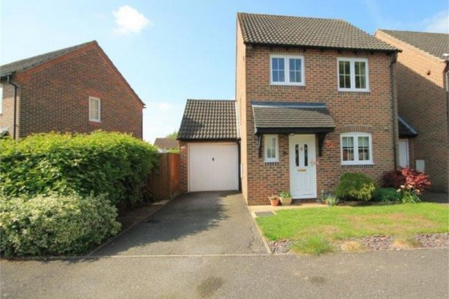 3 bed detached house for sale in Simmons Field, Thatcham