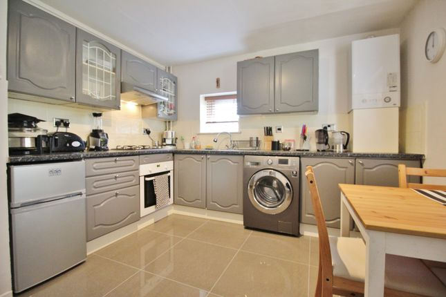 Thumbnail Flat for sale in Denham Road, Whetstone, London
