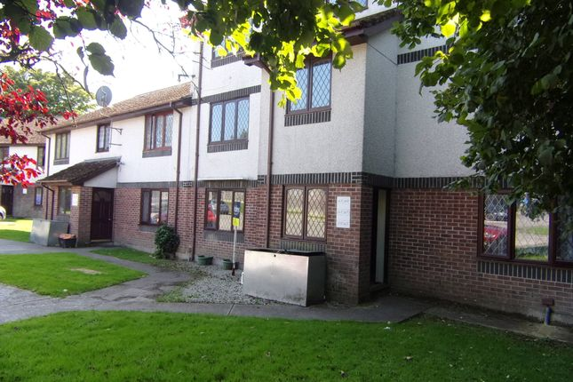 Thumbnail Flat to rent in Penlee Close, Callington, Cornwall