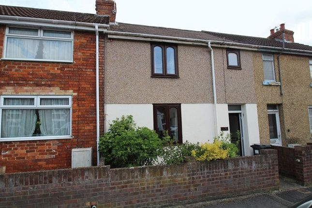 2 bed terraced house to rent in Kitchener Street, Swindon