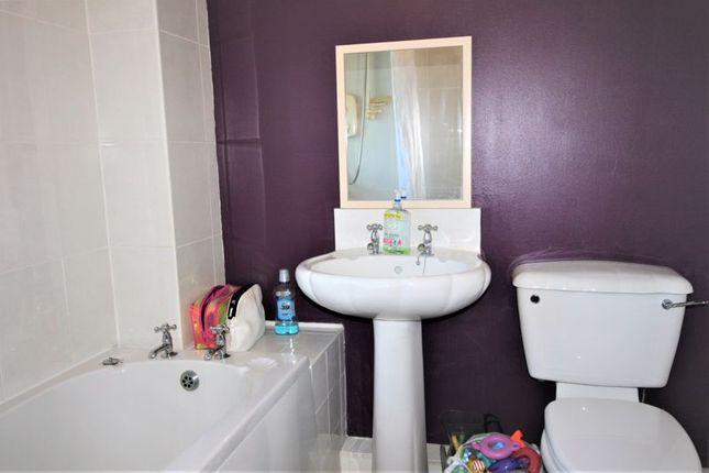 Bathroom of Laburnum Road, Ormesby, Middlesbrough TS7