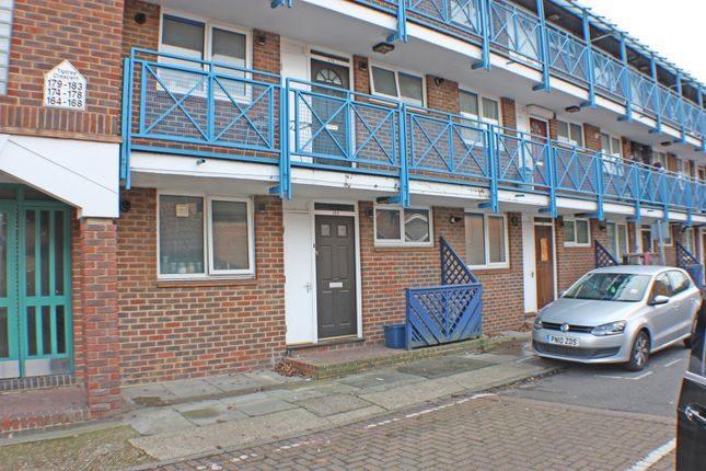Thumbnail Flat to rent in Tiptree Cresent, Clayhall