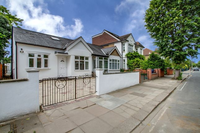 Thumbnail Bungalow to rent in Carew Road, Ealing