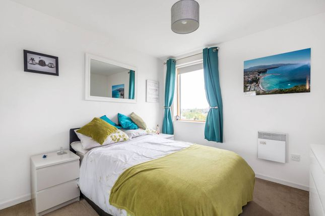 1 bed flat for sale in Westgate House, Isleworth