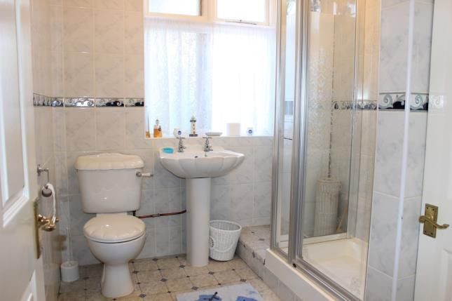 Bathroom of Hamilton Avenue, Ilford IG6