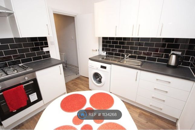 4 bed terraced house to rent in Mackenzie Road, Salford M7