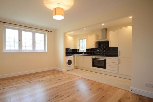 Thumbnail Flat to rent in Brackendale Close, Frimley, Camberley