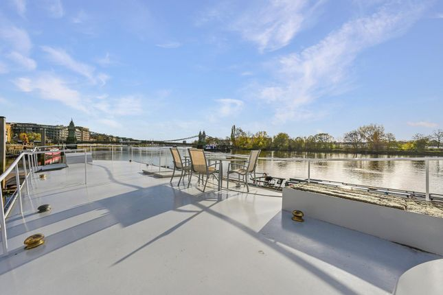 Houseboat for sale in Hope Pier, Lower Mall, Hammersmith