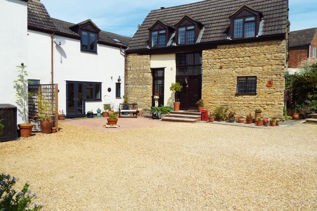 Thumbnail Barn conversion for sale in 65 London Road, Wollaston, Northamptonshire