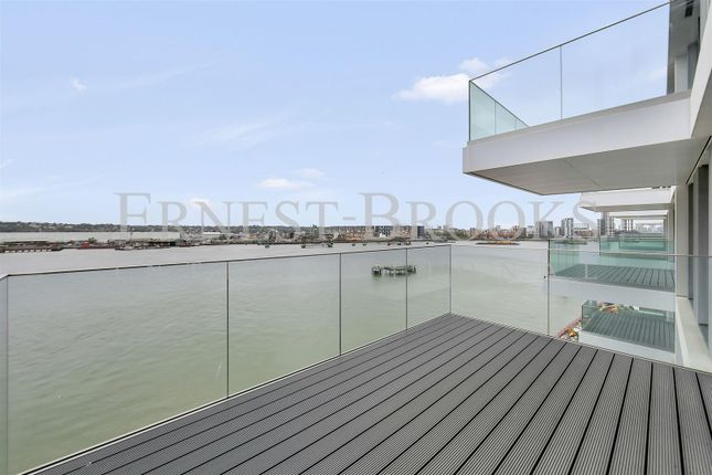 Thumbnail Flat for sale in Liner House, Royal Wharf
