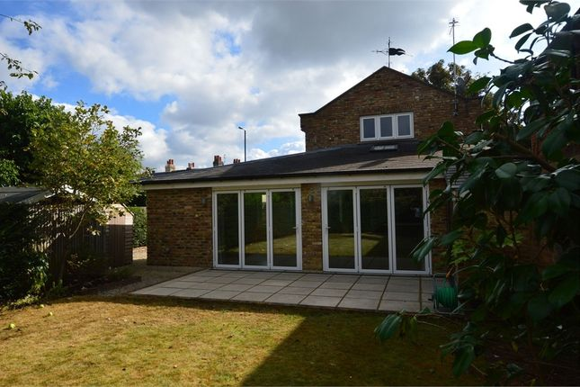 3 bed detached house to rent in High Street, Hampton, Middlesex