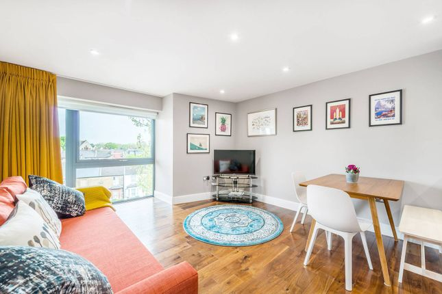 Thumbnail Flat to rent in Lower Mortlake Road, Richmond