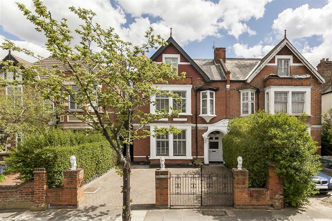 Thumbnail Property to rent in Birch Grove, London