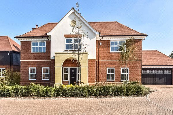 Thumbnail Detached house for sale in Mayfield Place, Winkfield, Windsor, Berkshire