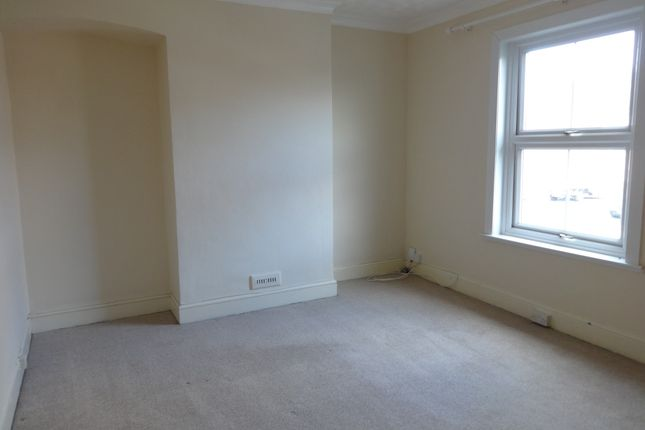 Newcombe terrace exeter ex1 3 bedroom terraced house to for Terrace exeter