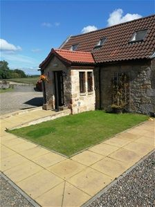 Thumbnail Studio to rent in Gilston Farm, Polmont, Polmont