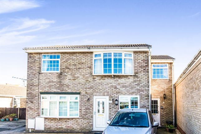 Thumbnail Flat for sale in Langton Court, Skegness