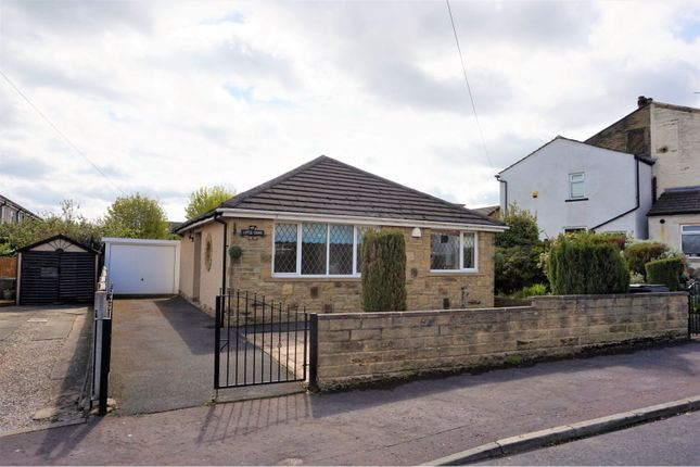 Thumbnail Detached bungalow for sale in Newlands Grove, Halifax