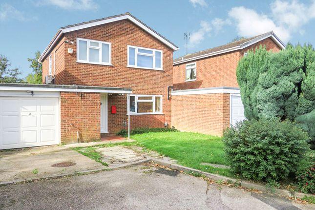 Thumbnail Link-detached house for sale in Robin Mead, Welwyn Garden City