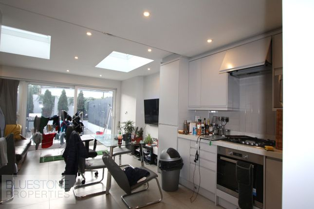 Thumbnail Terraced house to rent in Marian Road, London
