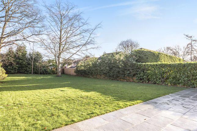 565421 (10) of Oak End Way, Woodham, Addlestone KT15