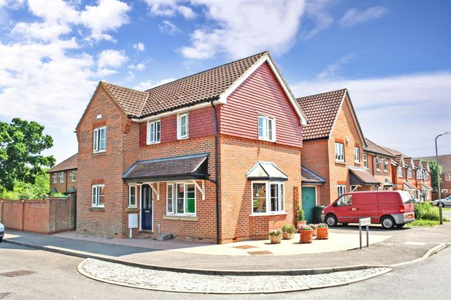 Thumbnail Detached house to rent in Wood Lane, Kingsnorth, Ashford