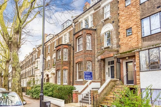 Flat for sale in Grosvenor Avenue, London