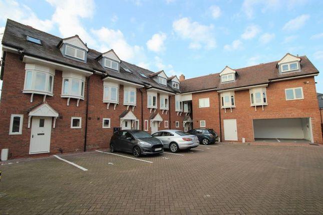 Thumbnail Flat for sale in Apartment 5, Stratford Court, Stratford Upon Avon