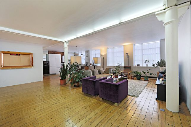 Thumbnail Flat for sale in Nile Street, London