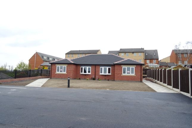 2 bed bungalow to rent in Hillside View, Brierley, Barnsley S72