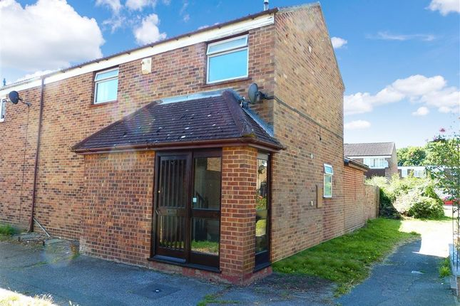 Property to rent in Greenshaw, Brentwood