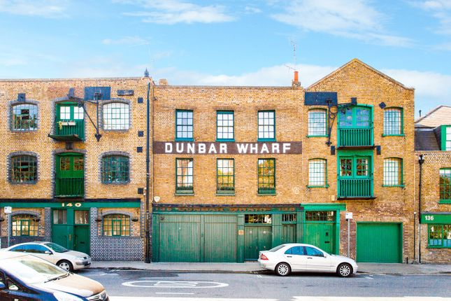 Terraced house for sale in Narrow Street, London