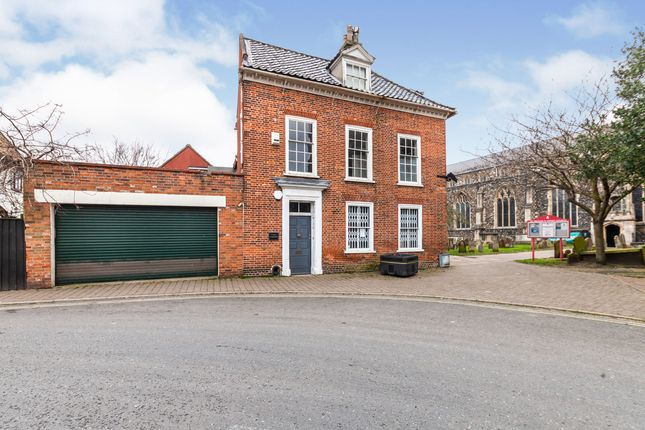 Thumbnail Detached house for sale in Beccles, Suffolk
