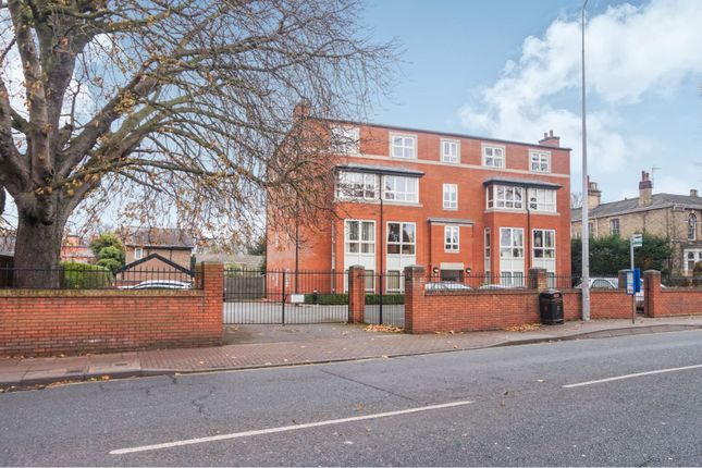 Thumbnail Flat for sale in 35 Bargate, Grimsby