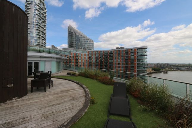 Thumbnail Flat for sale in Fairmont Avenue, London