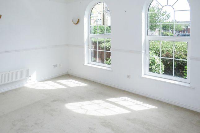 Thumbnail Flat for sale in Llwyn Passat, Penarth