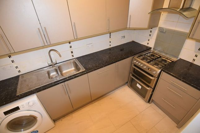 Thumbnail Flat to rent in The Drive, Cranbrook, Ilford