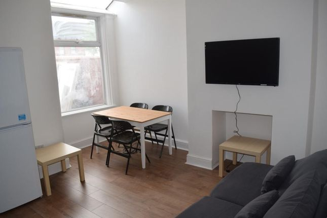 Thumbnail Property to rent in Carlton Avenue, Rusholme, Manchester